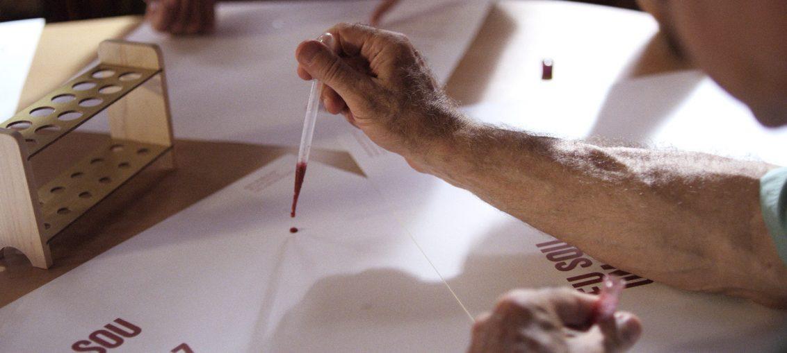 Infectologista - O Cartaz HIV Positivo : depoimento Micaela Cyrino