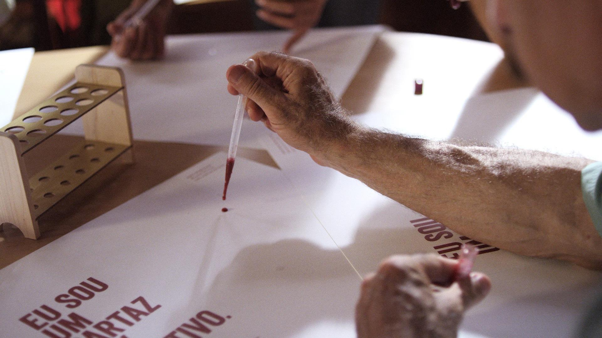 O Cartaz HIV Positivo : depoimento Micaela Cyrino